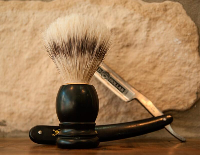Brocha de afeitar hecha de pelo de tejón
